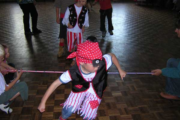 Childrensparty-Kidz Limbo-Dance